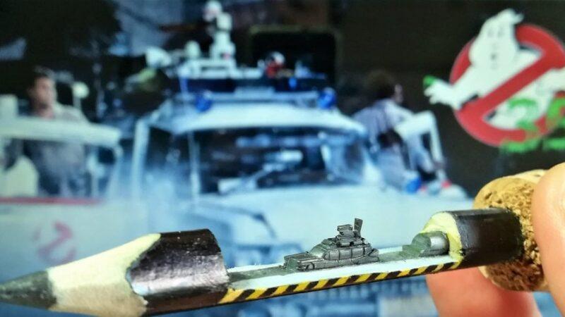 Ecto1 dei Ghostbusters scolpita sulla mina di matita