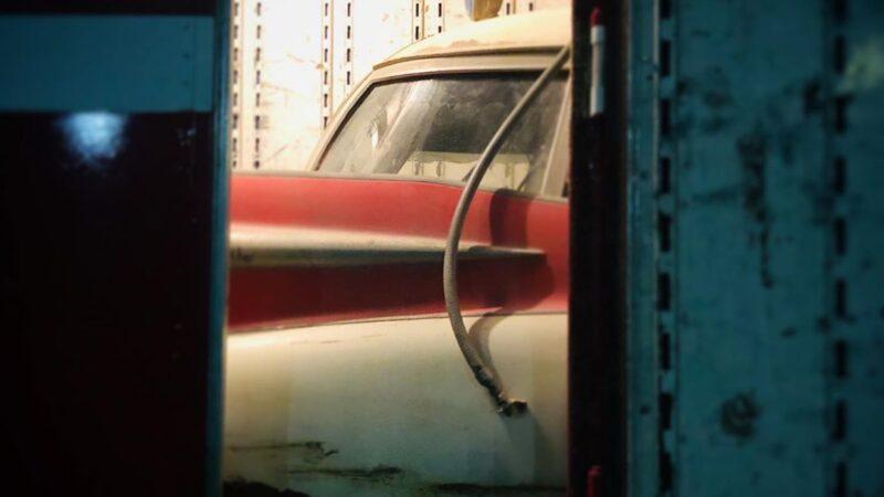 Ghostbusters 2020: Jason Reitman posta una nuova foto della ECTO-1 come un fan