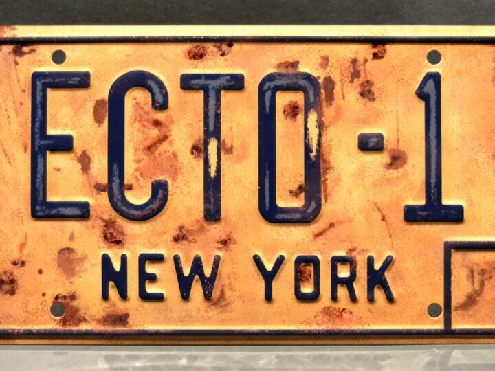 Ghostbusters 2020: Targa ECTO-1 con licenza ufficiale