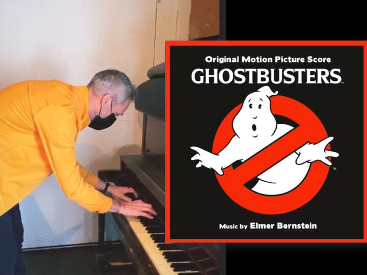 Il compositore di Ghostbusters: Afterlife omaggia Elmer Bernstein al pianoforte